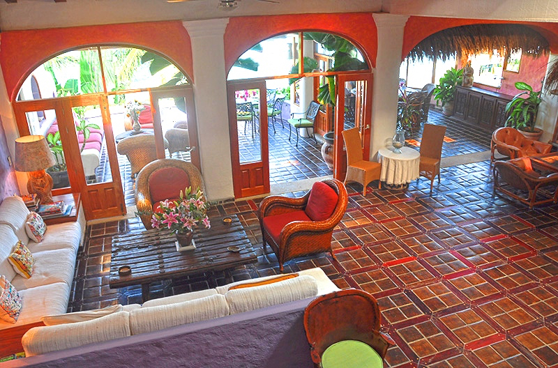 Click here to learn about accomodations at Casa Bougainvillea